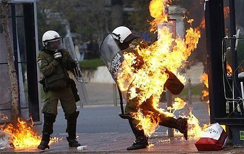 Atene disordini polizia Astynomia